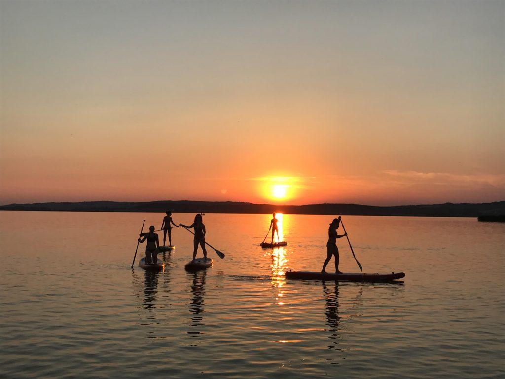 kapcsolat - velencei-tó naplemente